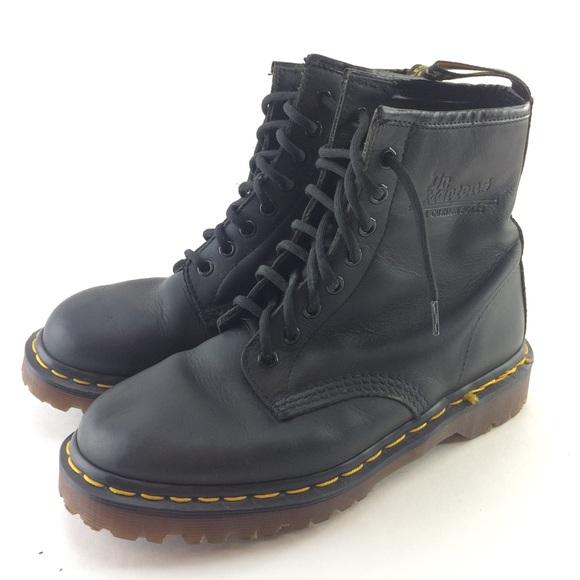 26a8319c474 Doc dr martens 1460 8 eye UK 7 England black boots